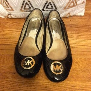 Michael Korda shoes